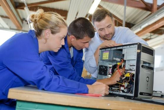 18 Ed1 Art4 Fixing teacher training for VETiS